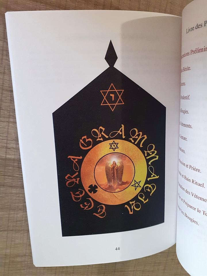 L'Art d'Attirer les Esprits dans les Cristaux